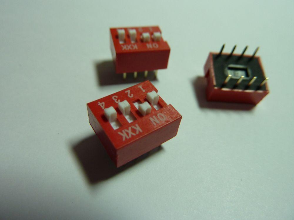 Přepínač na PCB desku - 4 piny (dip switch)