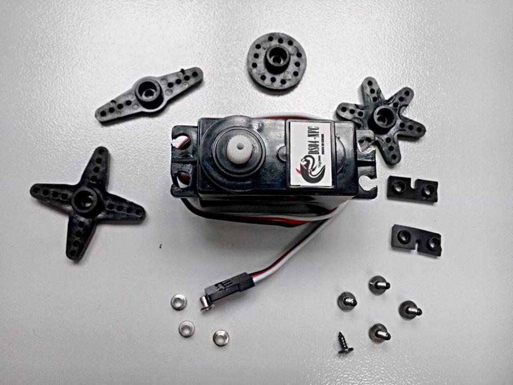 Silné servo 5.5kg/cm - 360° rotace DS04-NFC