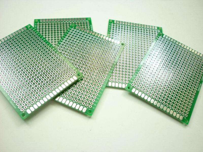 PCB deska 50x70mm vrtané otvory 1mm Oboustranná